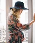 clothes pregnant